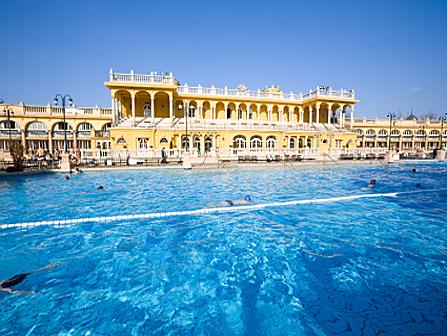 Piscine olympique des bains Schenezy