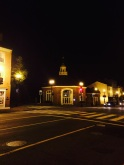 C'est beau une banque la nuit