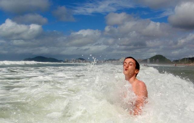Dans les vagues ...