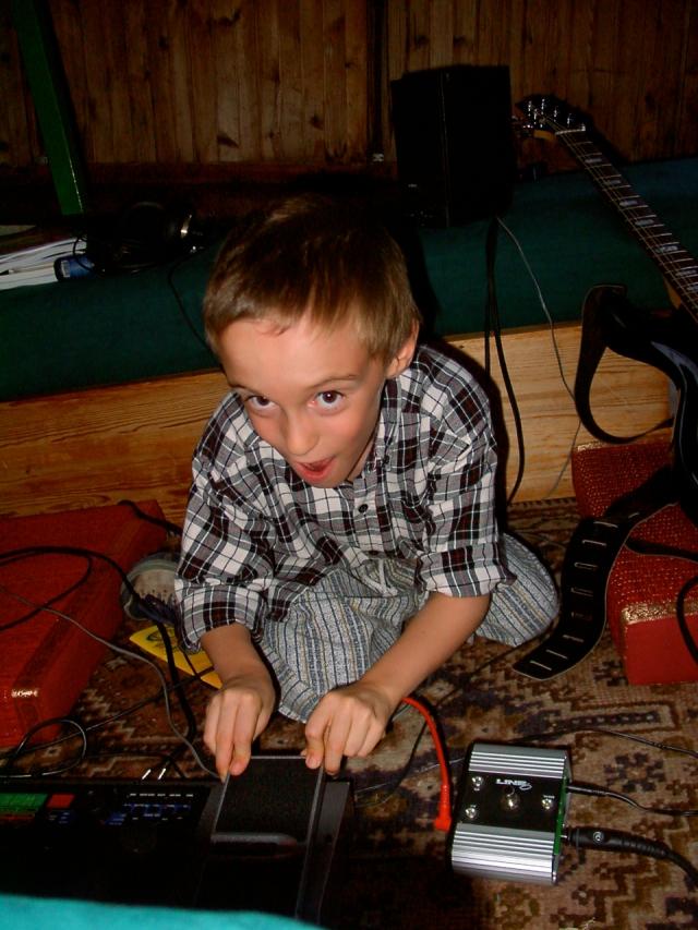 Lucas découvre la pédale wah-wah